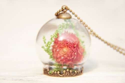 Valentine's Day gift / Forest Department / Transparent Glass ball necklace of dried flowers - blooming red flowers