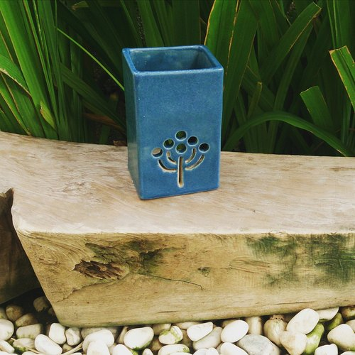 Hand-made pottery burned incense holder (side seat / deep blue)