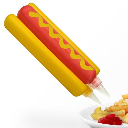 Squeeze Mustard sauce is | hot dog