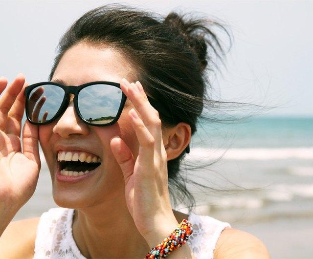 2is Mark Sunglasses Matte Black Frame, Silver Mirror Frame Sunglasses
