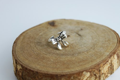 Silver Ring - Ribbon Bow {Ribbon Bow / 925 Sterling Silver}