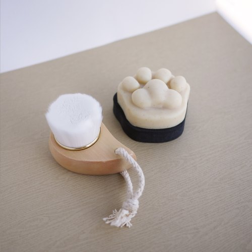 Facial Cleansing Cat Paw Soap with Brush Set