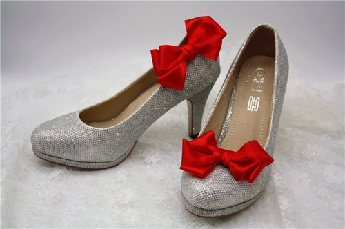 Red butterfly wedding feast decorated shoes, bridal gown heels jewelry New Year
