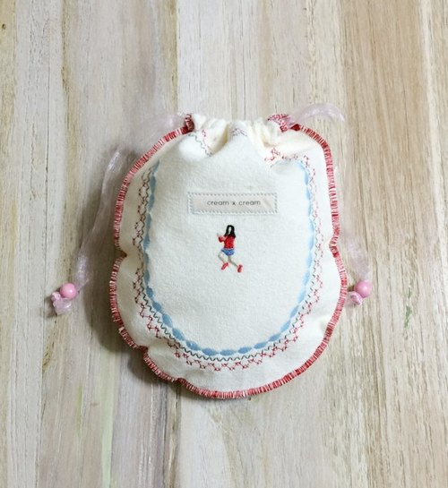 Woman in red cloth embroidered towel pouch -M