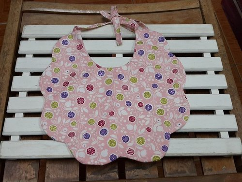 Floral circle twists baby bibs