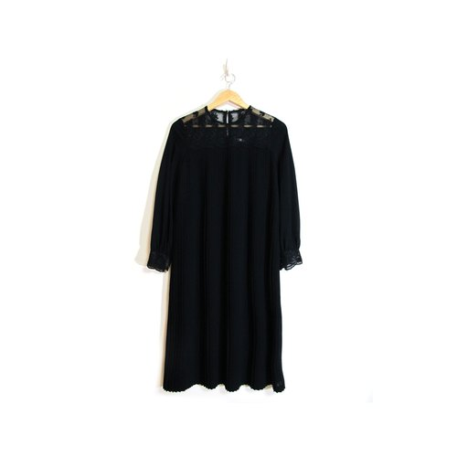 [Eggs] plant vintage lace crow sub Wide vintage pleated dress
