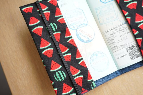 · Hosea could not fly melon · Passport Case