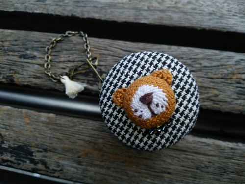 Three-dimensional embroidery Bear / small round box Charm / Keychain