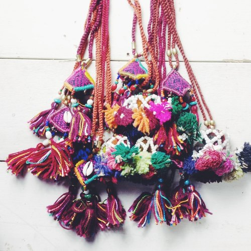 OMAKE woven beaded necklace