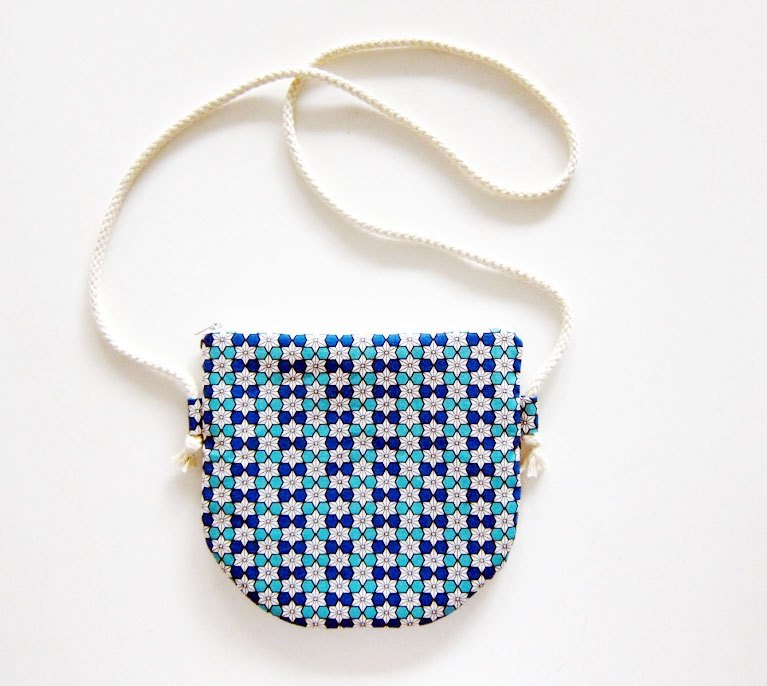 Semi-slung zipper bag / purse hemp leaf Techno Blue (also choose other purse fabric pattern)