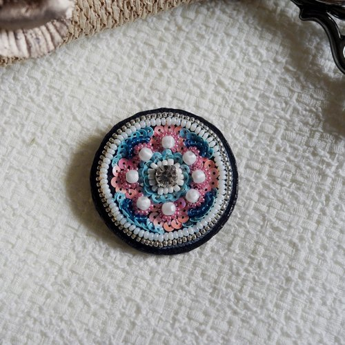 Sweet pink sea blue round handmade embroidery brooch