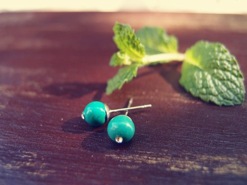 "[DODOWU hand-made jewelry] light ""natural stone ear earring / turquoise"" handmade / Parity design jewelry / Allergy / neutral / cramping can be changed"