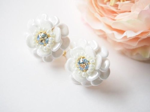 white flower pierce/earring(moon light)