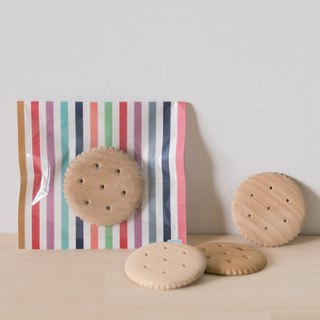 [Even] biscuit cookie pin- handmade wooden pin - plain or chocolate
