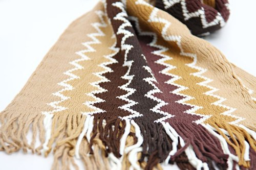 [Clothes] ZigZag zigzag around the totem warm scarves