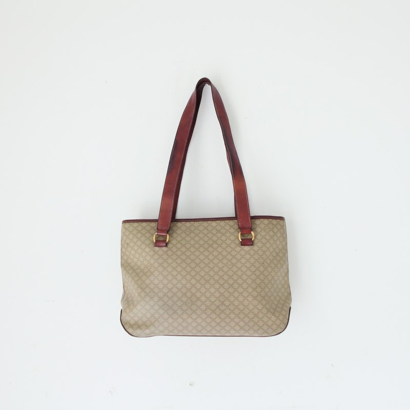A ROOM MODEL - VINTAGE, BA-0427 CELINE Shoulder Bag