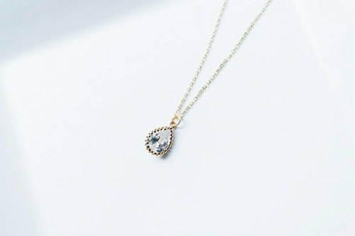 """Heart-warming series"" grandmother's collection of very fine water droplets zircon clavicle chain"