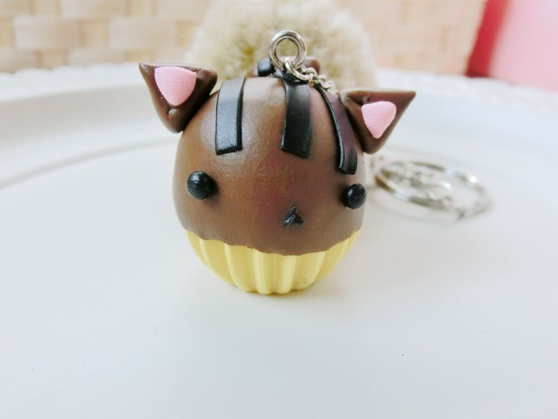 Cat cupcakes - chocolate mocha