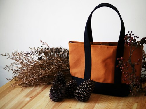 Classic tote bag Msize caramel x black - caramel brown x black -