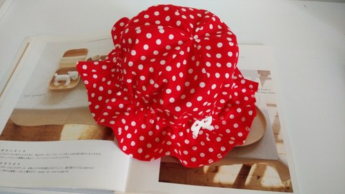 Red little white moonlight gift baby hat