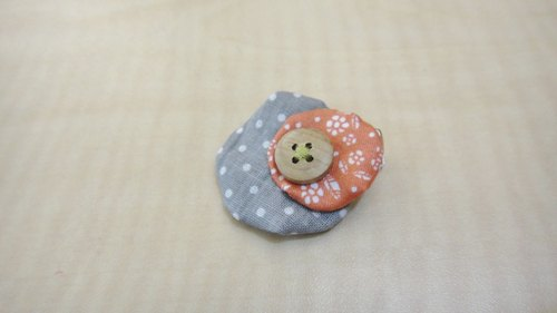Size round duckbill clip - gray water jade and orange flowers