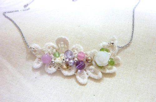 Eclectic and elegant floral necklace