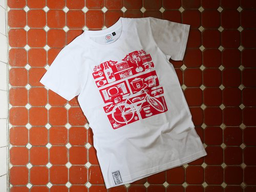 < since so since the sale > retro T-SHIRT- Red Double Happiness (white)