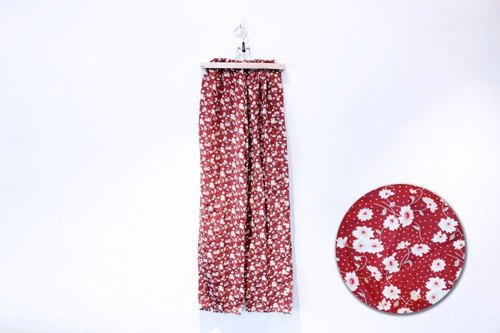 {::: Giraffe giraffe who :::} _ vintage white flower on red wide pants