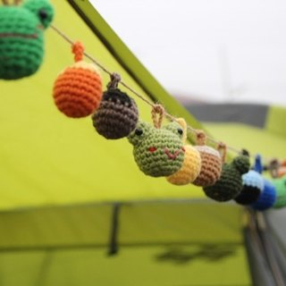 Amigurumi crochet: Camping ball,colorful woolen ball, Pom Pom Garland, Green Frog