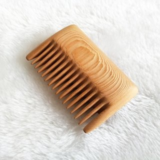 Moment木們-Talkwood-handheld/palm-based SQUARE comb(Taiwan. Hinoki)