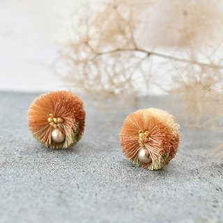 Pompon tassel earrings/Beige