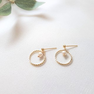 Water ripple ‧ pearl geometric metal ring earrings