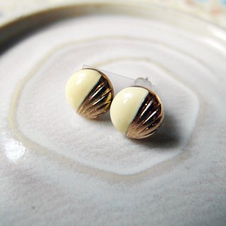 Time Travel vintage reserve pin earrings【White Love】