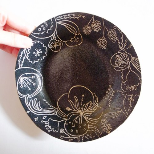 Hand carved flower decoration painted pottery home disc tray tableware