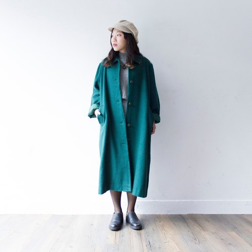 Banana cat. Banana Cats dark green long version of the basic version of the vintage wool coat