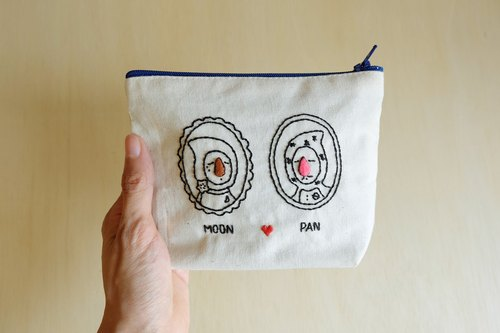 Handmade cosmetics pouch / big nose family / Pan and Moon