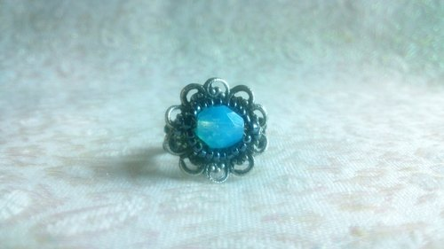Ancient silver retro flower beauty seat ring - light blue crystal