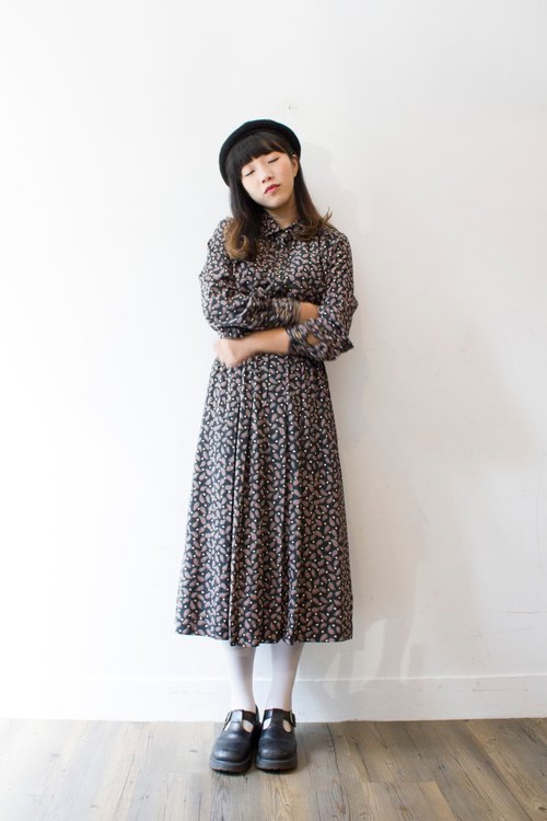 Banana cat. Banana Cats amoeba black long-sleeved vintage dress