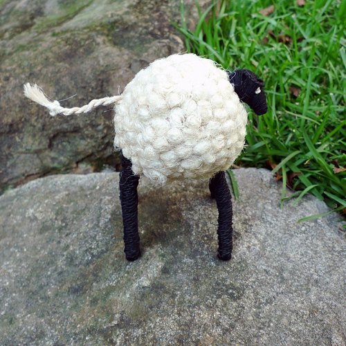 Jute hand for animal _ legs Sheep