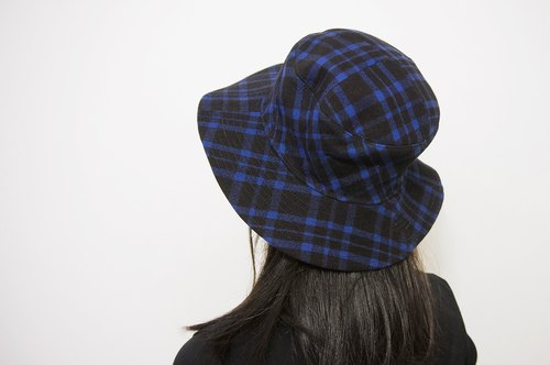 Autumn and winter essential large brimmed hat - classic plaid blue models