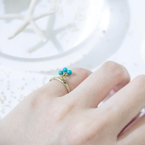 Aqua Series/ Small Cluster - Turquoise Ring Tail Ring