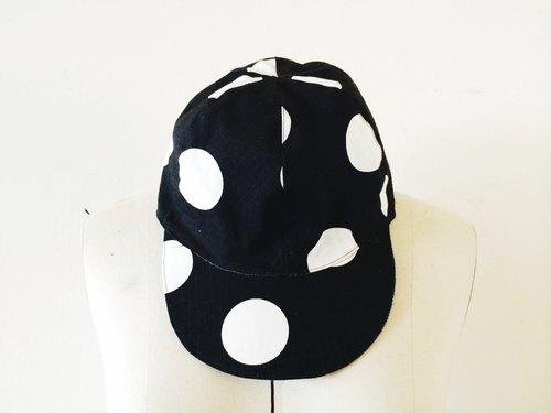 MaryWil naughty sided baseball cap - black white point