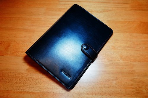 Handstitch - low-key luxury hand - black leather ring-binder A5 Superior Square Notebook
