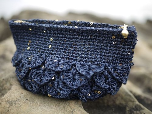 Crochet a round green _ _ _ Shining love deep blue coral shell bag