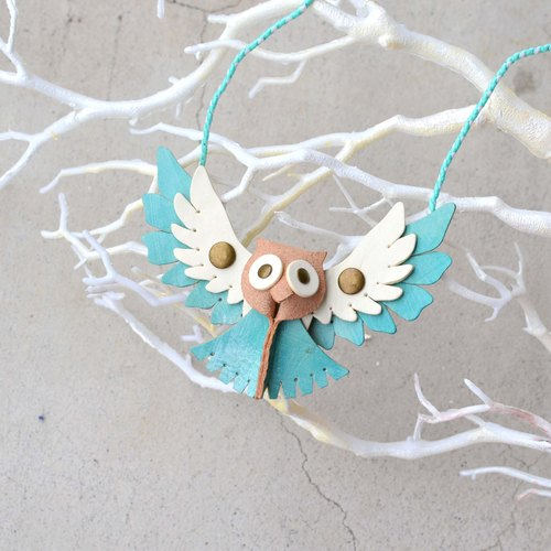 Follow Mie-U Fly I Fly - Owl bird leather necklace - big eyes section - blue water