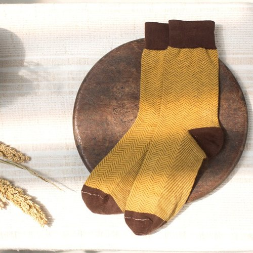 Lin Guoliang character pattern gentleman socks pudding yellow
