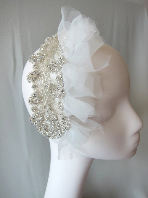 Amphibole elegant headdress -Love me Tender