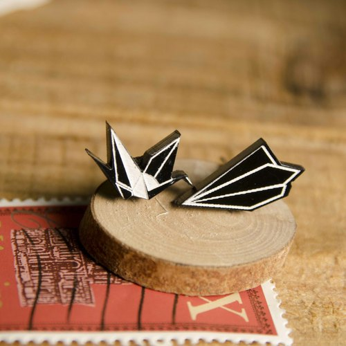 Origami love hid miss ‧ fly sky / cranes / paper airplane / Allergy needle / clip-on can be changed
