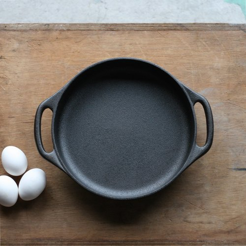 Swedish SKEPPSHULT cast iron frying pan 26cm round ears