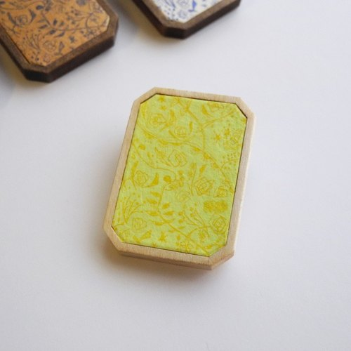 Copper engravings and wood brooch <Wildflowers> Light Green × Yellow